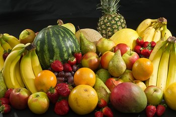 1024px-Culinary_fruits_front_view.jpg